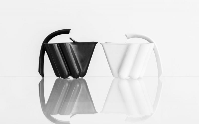 černobílé: nic není a přitom je | výběr porcelánu a keramiky ze sbírek ajg